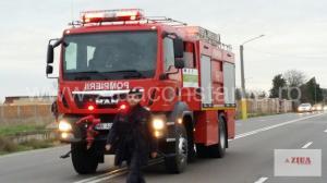 Incendiu de amploare în zona Arefu, Argeș. Zeci de pompieri chemați la intervenție. MAI a pus la dispoziție 2 elicoptere dotate cu dispozitive de stingere