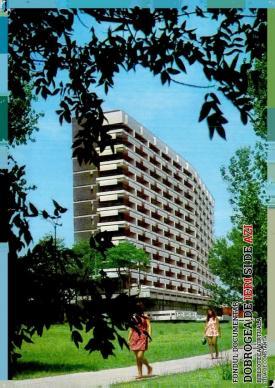 Hotel Europa, într-o... ramă de verdeață