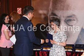 """#RespectTeatru Medalia """"Jean Ionescu"""" şi placheta CJC #RespectTeatru, pentru Anaid Tavitian (galerie foto)"""