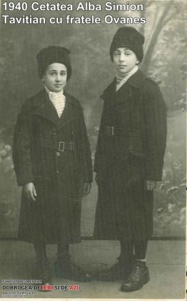 1940, Cetatea Albă. Simion Tavitian cu fratele Ovanes (galerie foto)