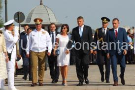 Prin ce s-a remarcat Carmen Iohannis la Ziua Marinei. A fost admirată şi de bărbaţi şi de femei
