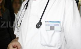 Iaşi Medicii vor să facă o plângere penală pe numele unei femei care a vrut nască acasă
