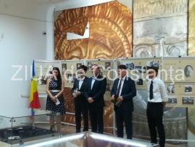 Vernisajul unei expoziții - omagiu adus Casei Regale, la Muzeul de Istorie Națională și Arheologie Constanța (galerie foto)