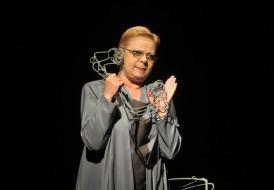 """#RespectTeatru: Medalia """"Jean Ionescu"""" și placheta CJC #RespectTeatru, pentru actrița Nina Udrescu (galerie foto)"""