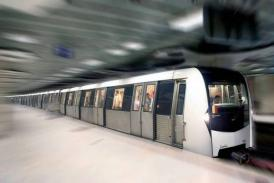Alertă la metrou, în București! Evacuare la Unirii, din cauza unui atac cu o substanţă chimică