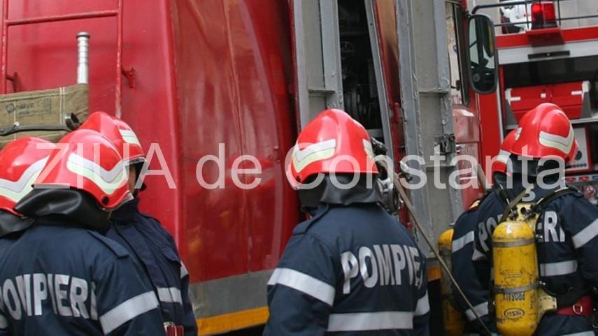 Pompierii chemati in ajutor, la un incendiu in judetul Constanta