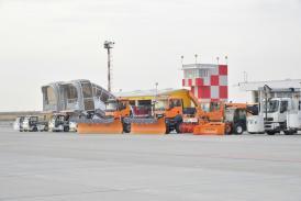 Aeroportul Internaţional Mihail Kogălniceanu-Constanţa se pregăteşte de iarnă. Programul modificat al zborurilor