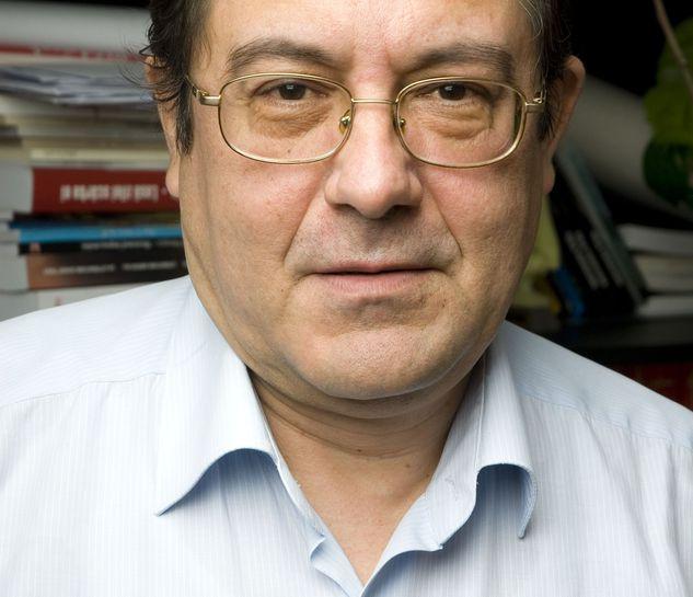 """citeșteDobrogea: Prozatorul dobrogean Cristian Teodorescu, la ceas  aniversar. """"Medgidia, oraşul de apoi - premiul """"Cea mai bună carte în 2010"""""""