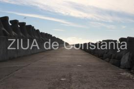 IPTANA şi CN APM Constanţa au bătut palma. Firma se va ocupa de reparaţia digului de nord (document)