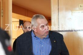 Obligat în primă instanţă să achite CJC 61.591,20 lei Unul dintre dosarele lui Nicuşor Constantinescu, amânat