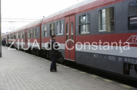InfoTrafic Poliţia Română Mai multe trenuri şi-au întrerupt deplasarea. Sute de pasageri blocaţi