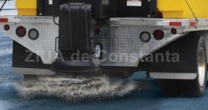 DRDP Constanța. 60 de autoutilaje au acţionat în judeţ. 147 tone material antiderapant, răspândite de drumari