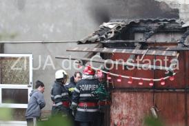 Explozie urmată de incendiu la Costineşti! Un bărbat a murit (galerie foto+video)