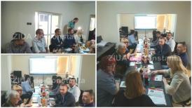#DobrogeaAcademică  Întâlnire în redacţia ZIUA de Constanţa cu consilieri locali constănţeni - regândirea ceremoniei de acordare a titlului de cetăţean de onoare (galerie foto)