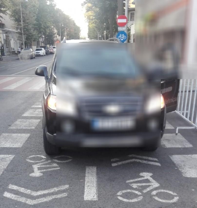 constanta autoturisme parcate neregulamentar ridicate de politistii locali galerie foto 700064