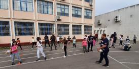"""Rugbyștii de la Tomitanii Constanța, în mijlocul copiilor de la Școala Gimnazială nr. 30 """"Gheorghe Țițeica"""" (galerie foto + video)"""