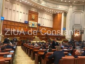Parlamentul se reunește săptămâna viitoare pentru asumarea răspunderii Guvernului privind alegerea primarilor în două tururi de scrutin