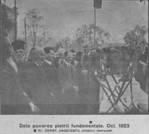 """#DobrogeaDigitală - Anuarul Liceului """"Mircea cel Bătrân"""" din Constanța  (1930-1931 și 1931-1932):   Etape din executarea noului local al Liceului """"Mircea"""" (galerie foto)"""
