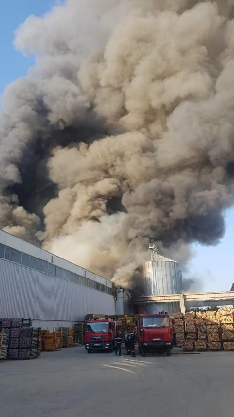 RO-ALERT în BUCUREȘTI-ILFOV. Incendiu puternic lângă ...  |Incendiu Bragadiru