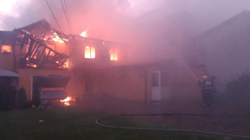 Incendiu în Bucureşţi în a doua zi de Paşte VIDEO | B365  |Incendiu Bucuresti
