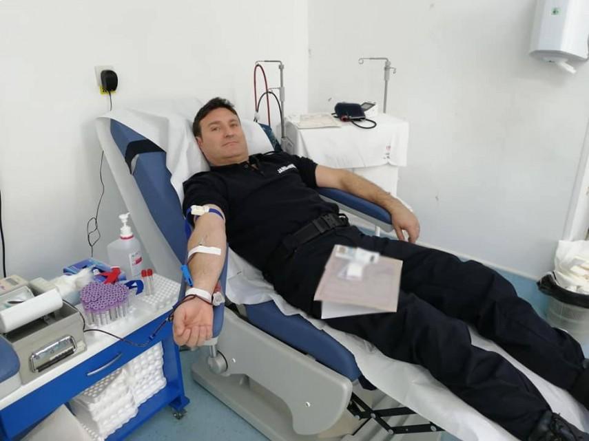 misiune pentru viata jandarmii constanteni doneaza sange pentru semenii lor 729049