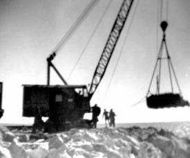 #citeșteDobrogea: Excavații la Canalul Dunăre-Marea Neagră în perioada 1951-1953