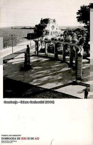 #Dobrogea Digitală: Chipul de bronz al lui Eminescu, martor mut al istoriei orașului Constanța