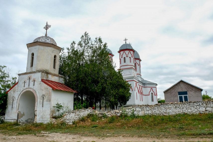 Primarul din localitatea constanteana Cerchezu vrea sa recupereze banii utilizati pentru lucrarile de reparare a bisericii din Parohia Izvorul Tamaduirii