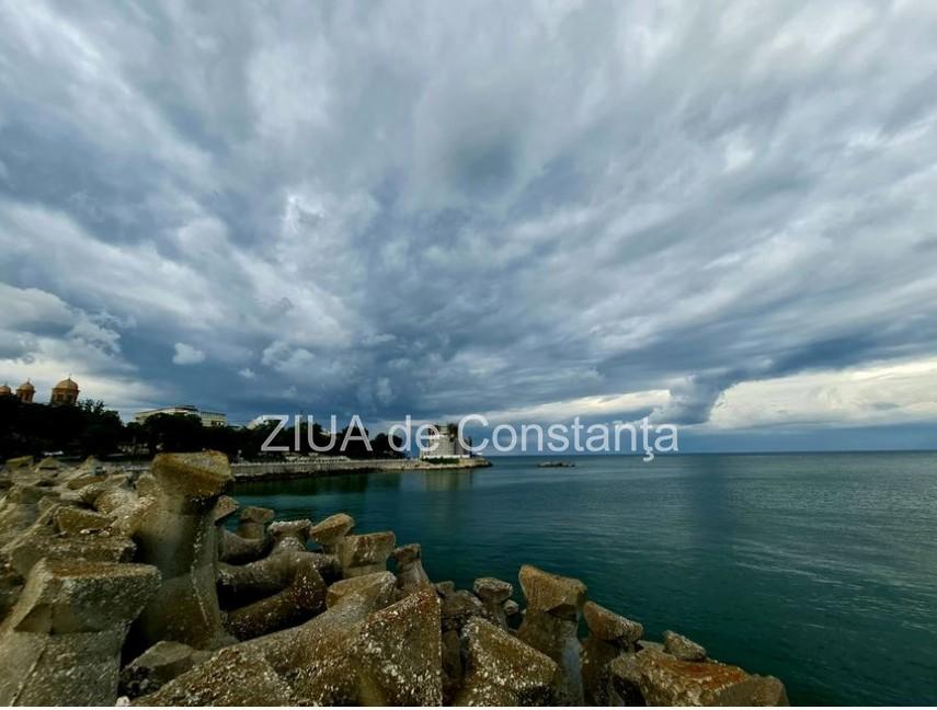 Norii spectaculosi anticipeaza vremea. Ploi abundente si vant extrem de puternic in Dobrogea (galerie foto)