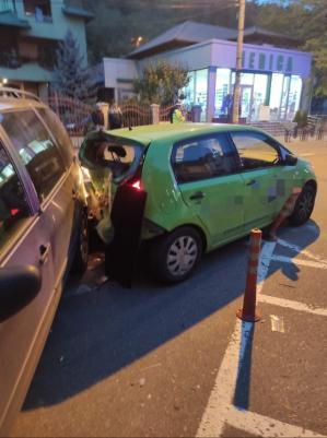 Accident rutier în municipiul Piatra Neamț. Trei autoturisme, implicate. O victimă