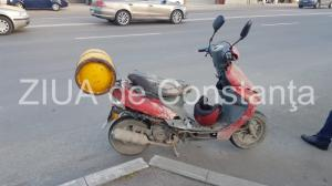 Accident rutier în localitatea Cobadin, județul Constanța. Un scuter s-a lovit de un autoturism parcat